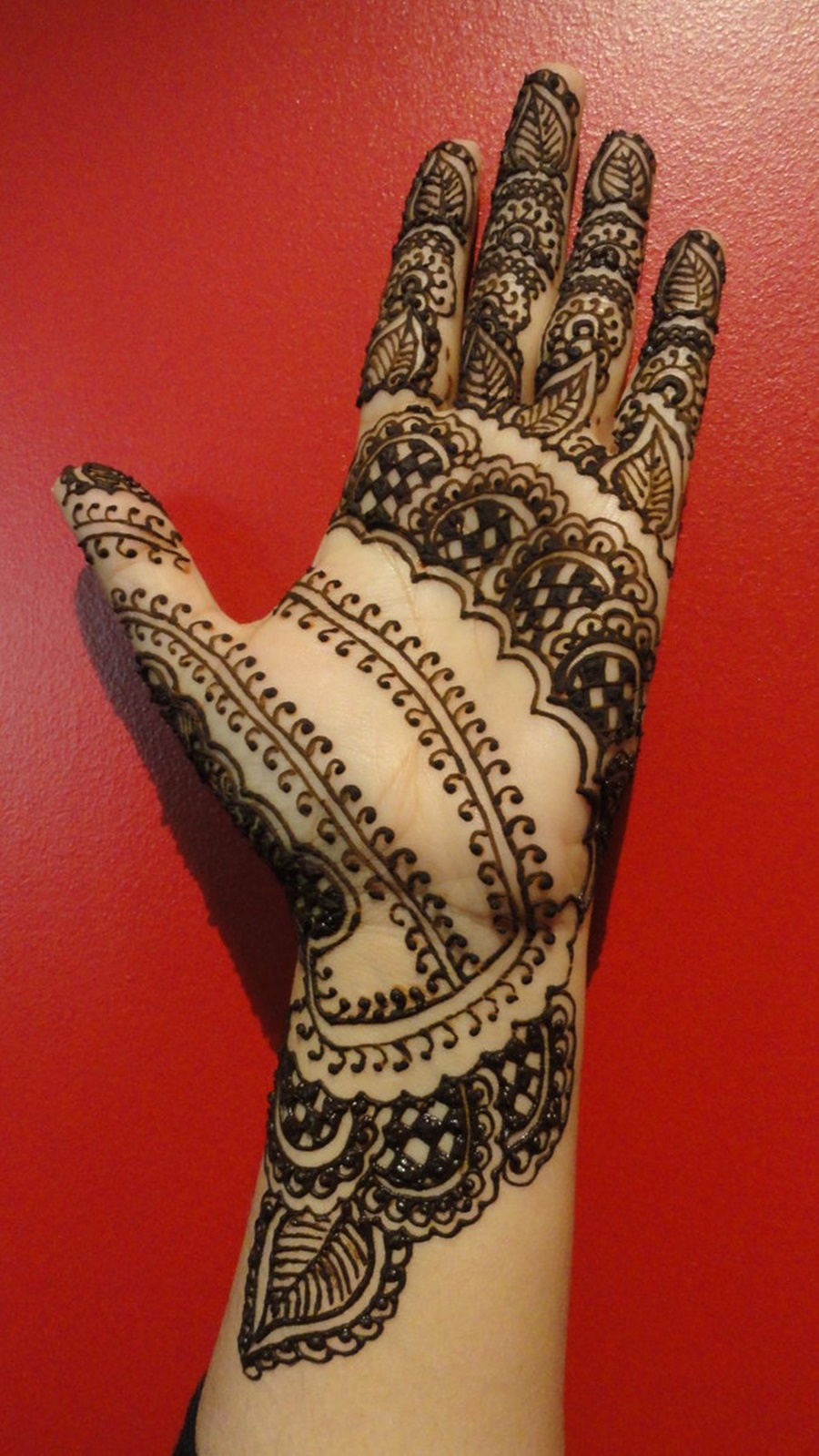 Mehndi Hands With Mobile : Hand eid mehndi design for girls xcitefun