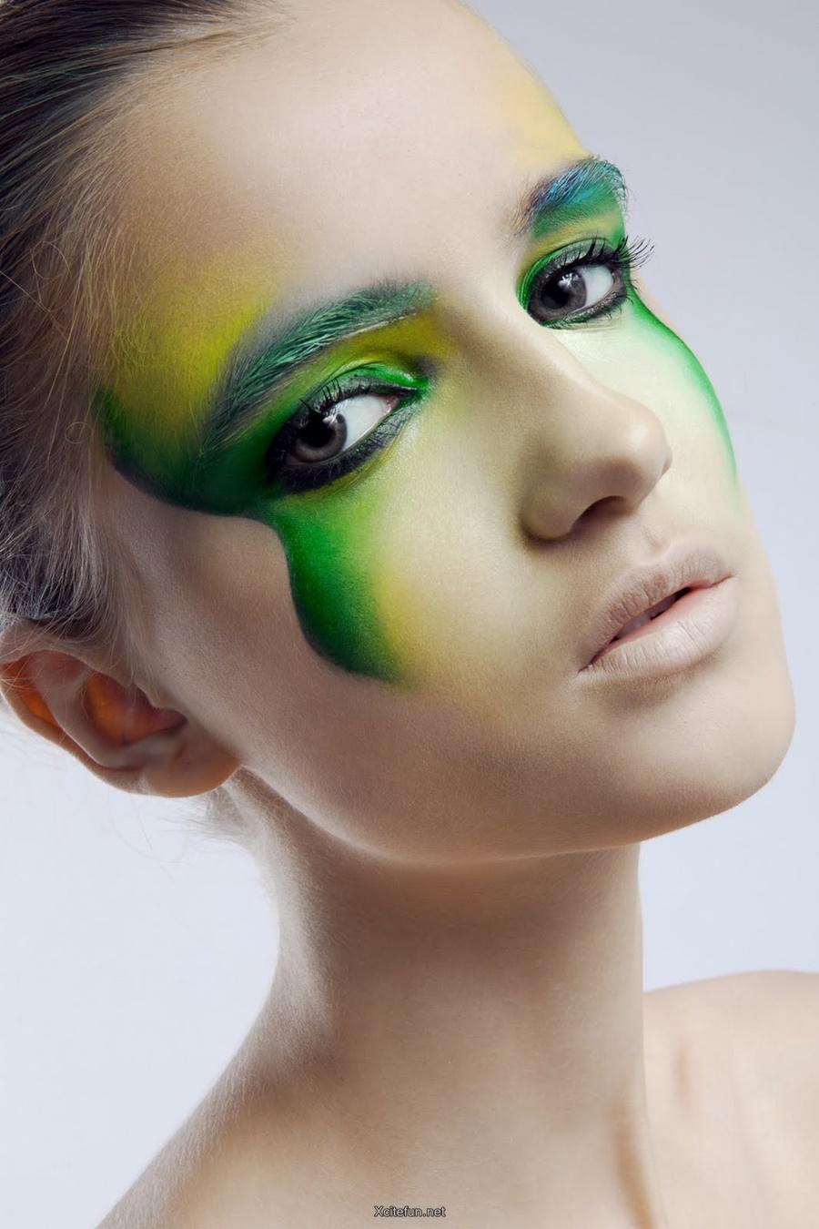 Green Smokey And Shimmery Eye Makeup - XciteFun.net