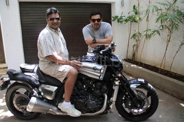 Yamaha VMAX Bollywood Version  John Abraham