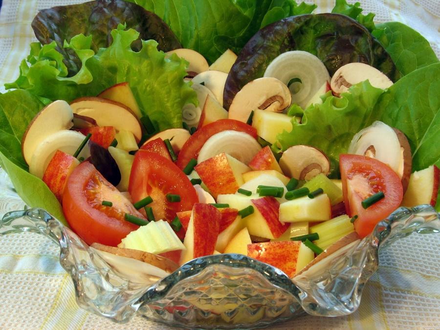 Tomatoes and Mushrooms Salad