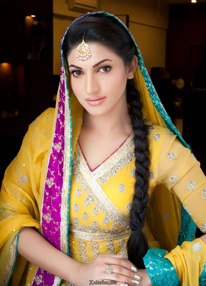 Sana Fakhar Awesome Makeup Photoshoot Xcitefun Net
