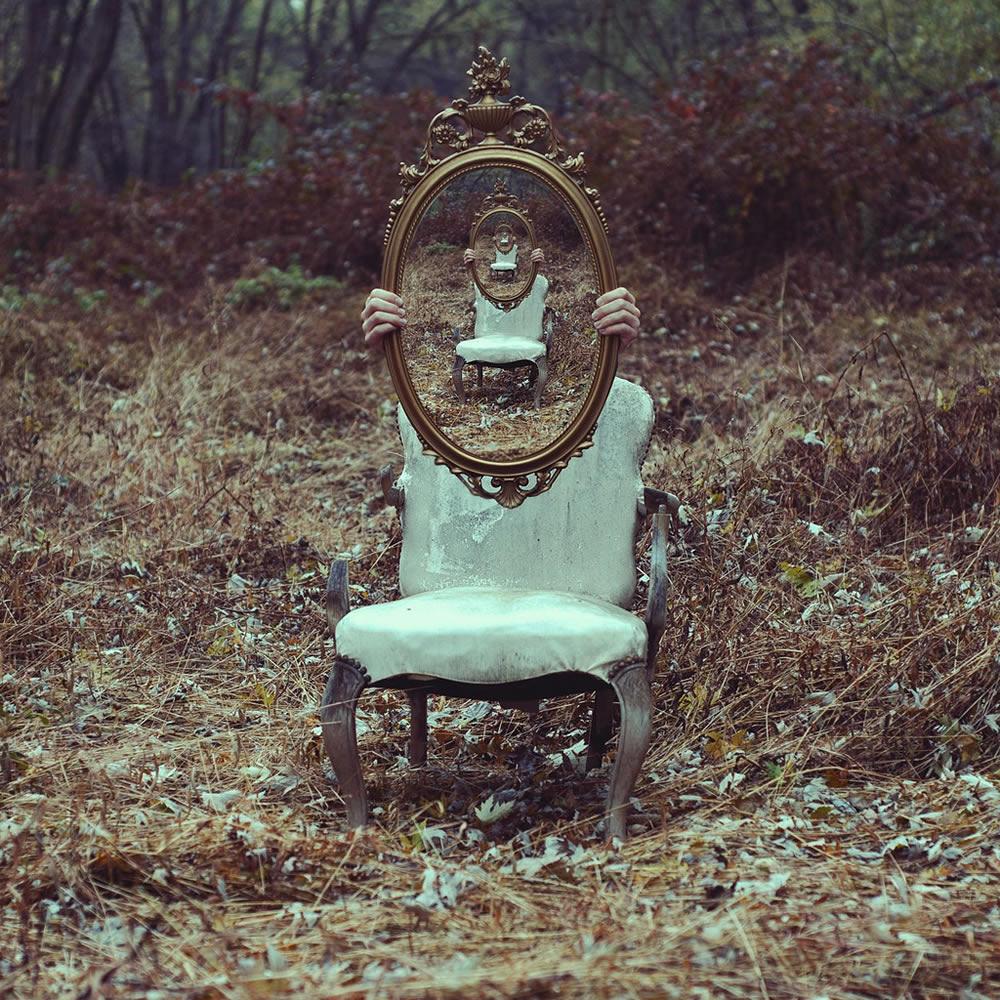 Surrealism happening art for Autoportrait miroir
