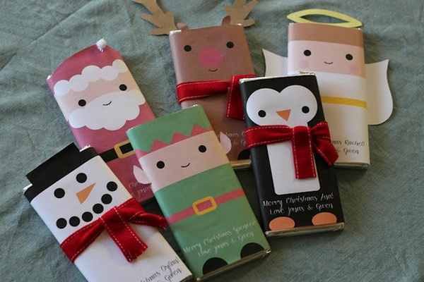 Gift wrapping ideas from recycled materials for Recycled materials ideas