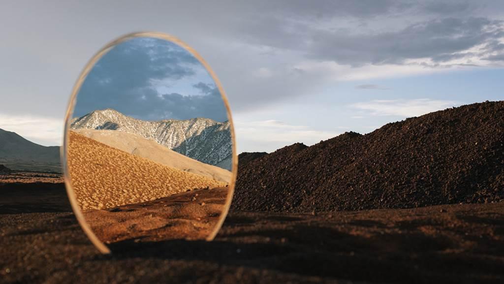 Outstanding landscape mirror reflection art design