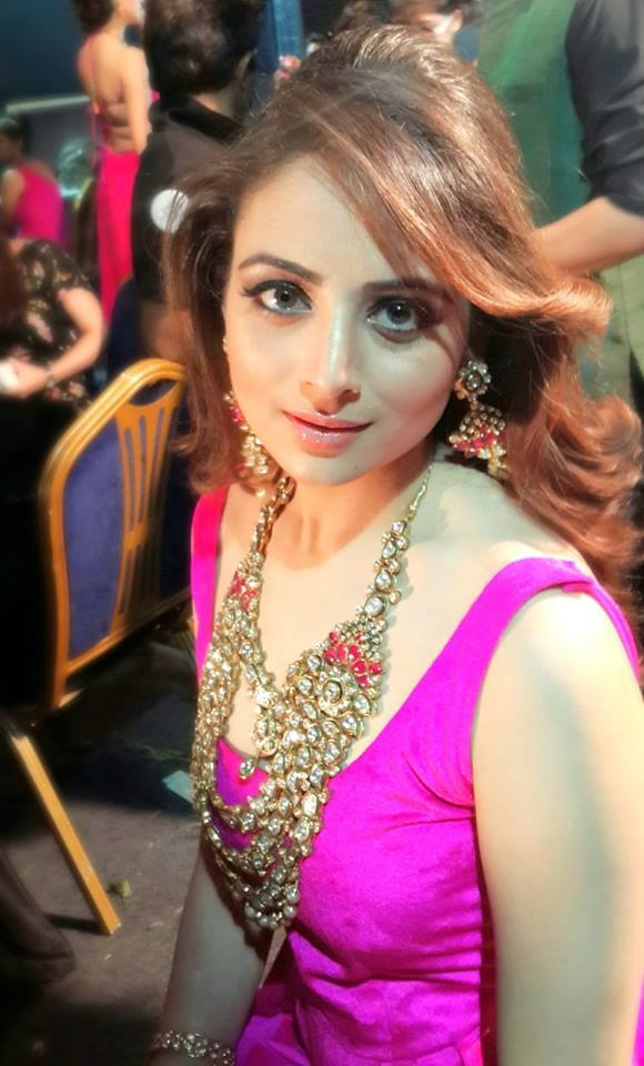 Zoya Afroz Child Artist Zoya Afroz - Child Art...