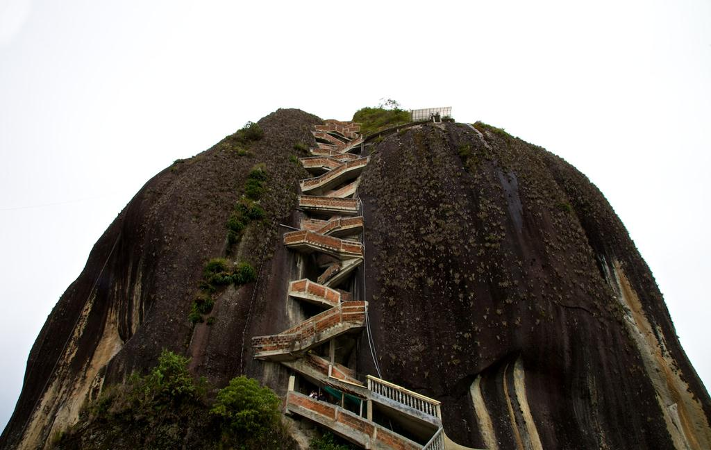 Guatape Rock Colombia - Images Gallery - XciteFun.net