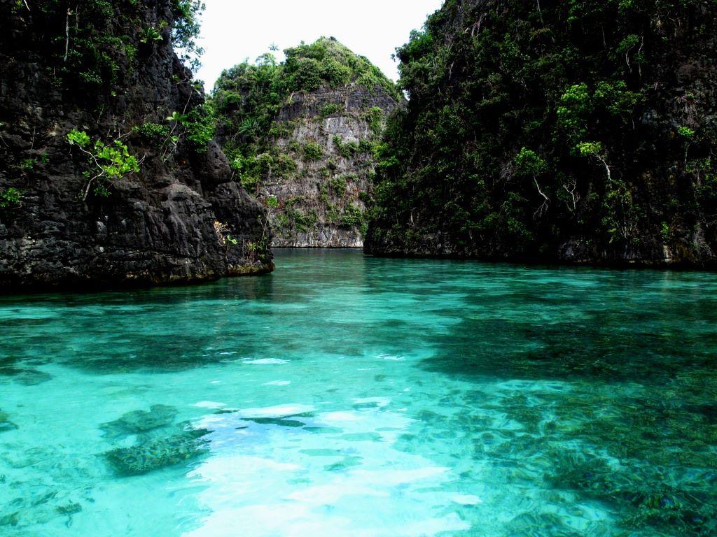 Misool Island Raja Ampat Indonesia - Images n Detail