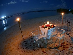 Romantic Beach Dinner Table Setup Xcitefun Net
