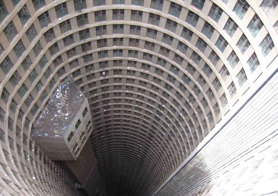 Ponte city tower johannesburg for Apartment plans south africa