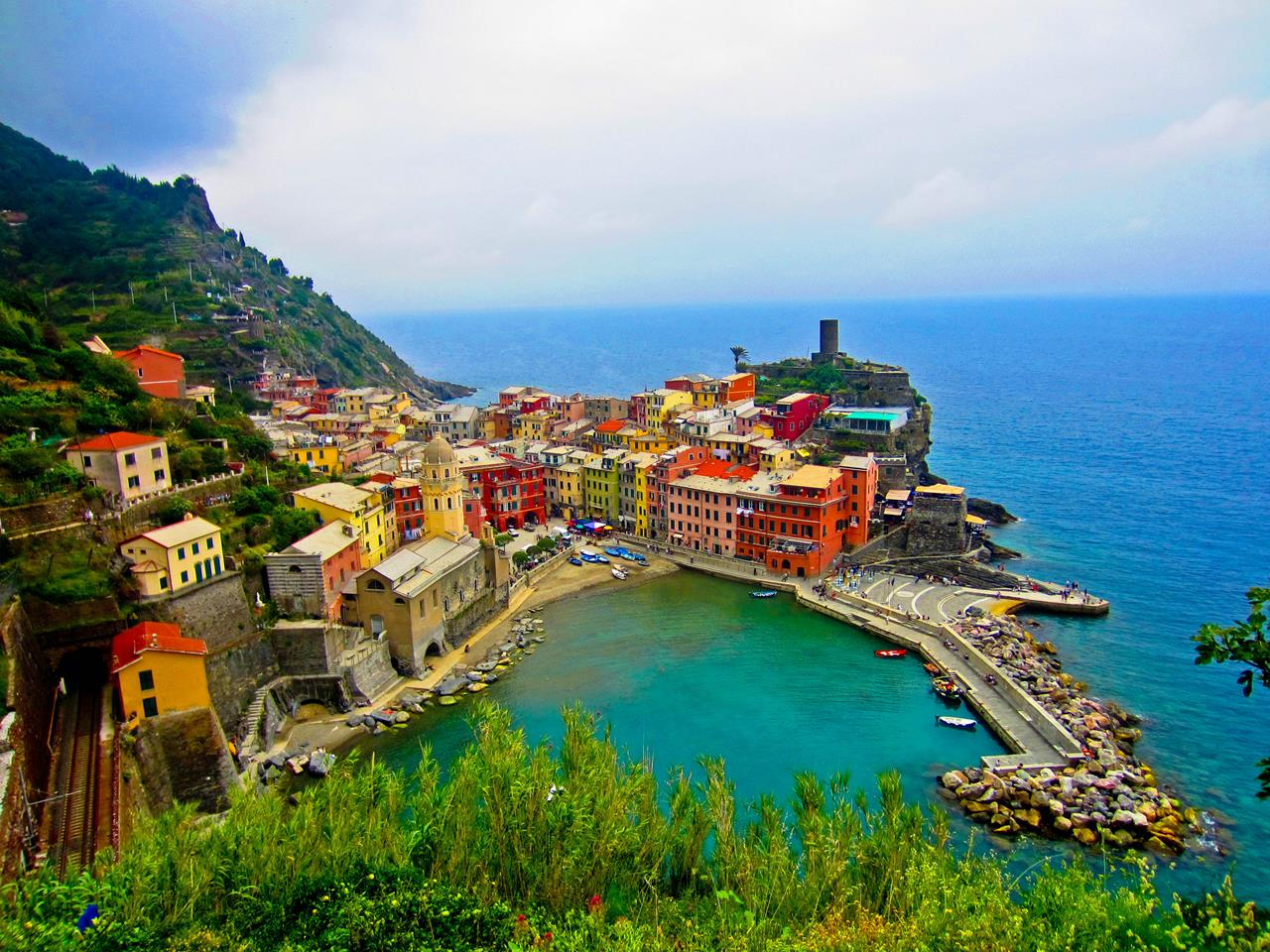 Cinque Terre Italy Travel Guide Hike and Dive