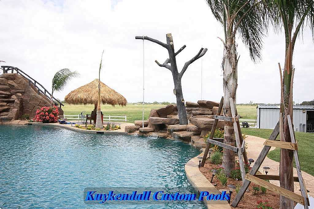 World's Largest Backyard Swimming Pool in Texas - XciteFun.net