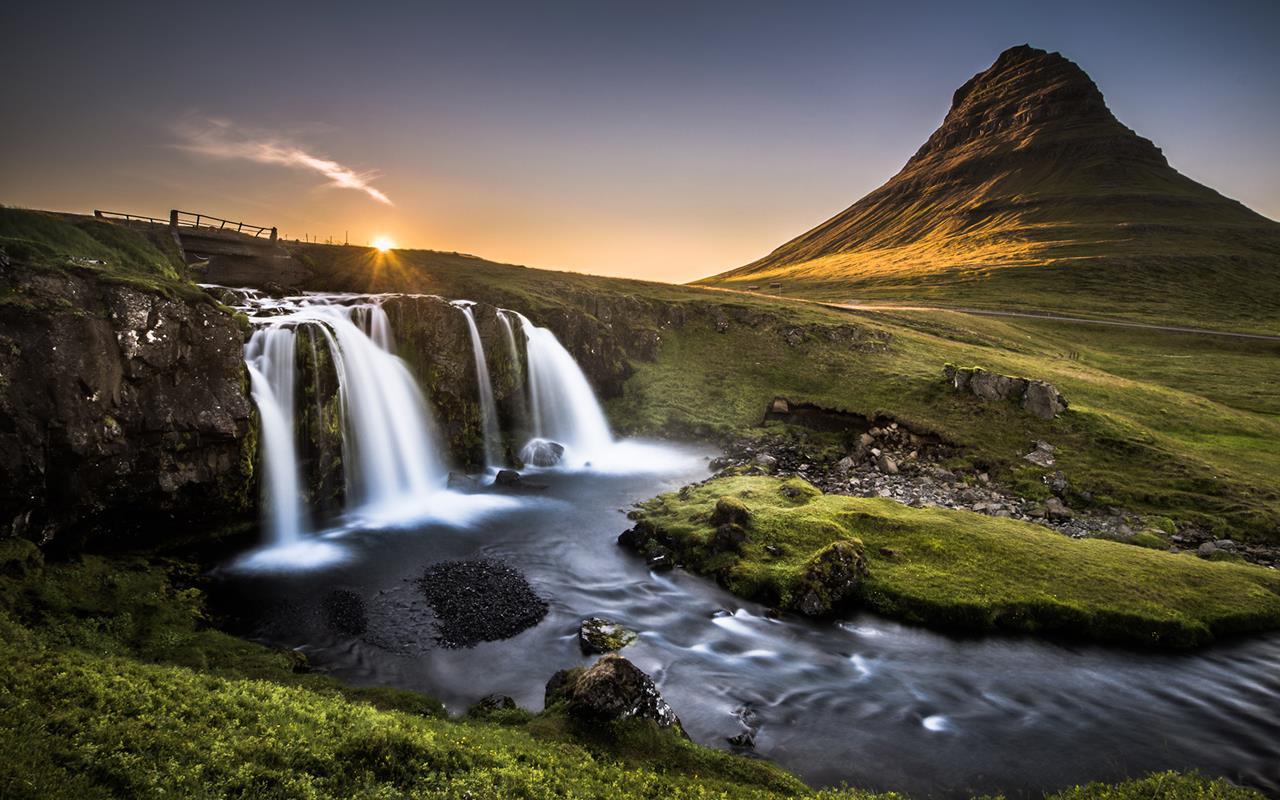 Travel Guide To Kirkjufell Iceland - XciteFun.net