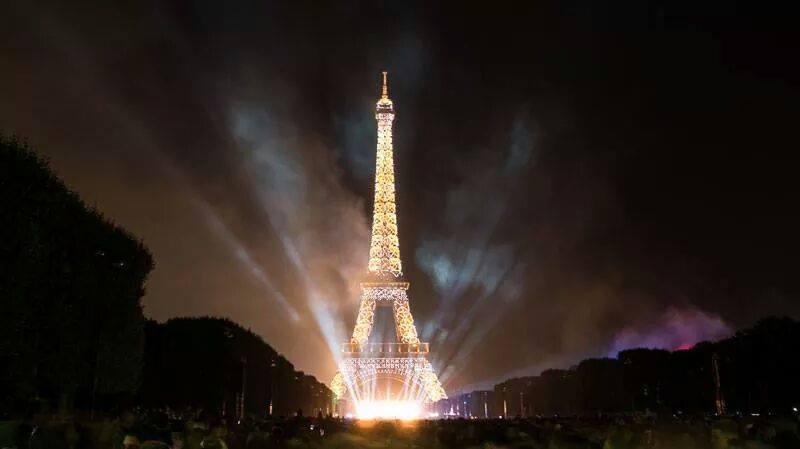 Eiffel Tower Fire Works New Year Celebration Xcitefun Net