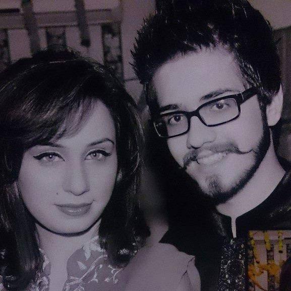 Sajal Ali Engaged To Feroz Khan hd Pics  Pakistani actors