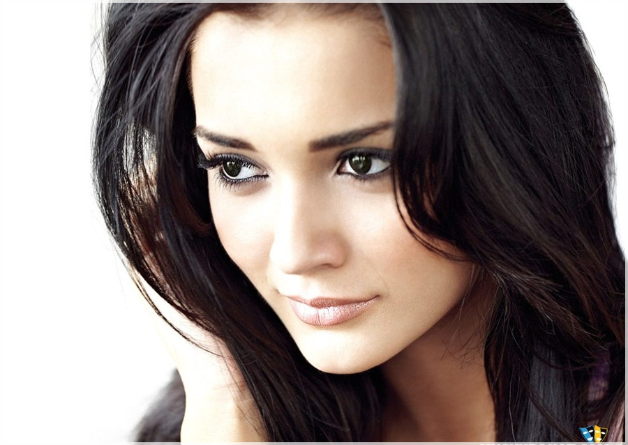 Amy Jackson  Biography and Wallpapers