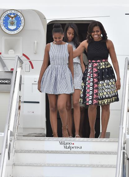 Sasha Malia amp Michelle Obamas European press tour