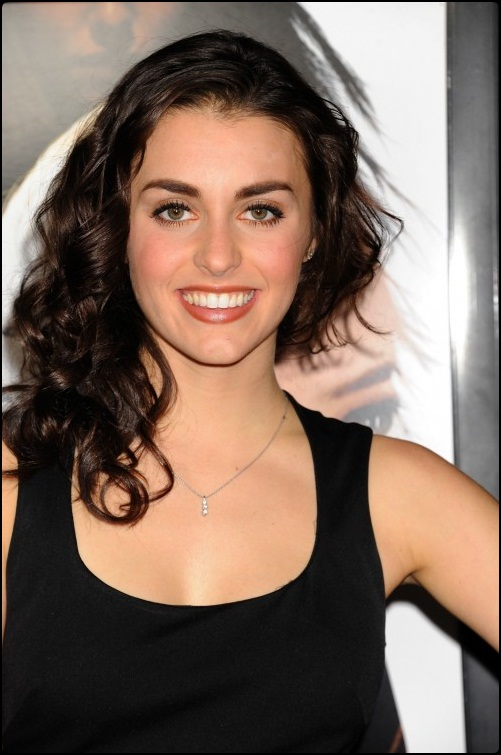Kathryn McCormick Biography and Wallpapers