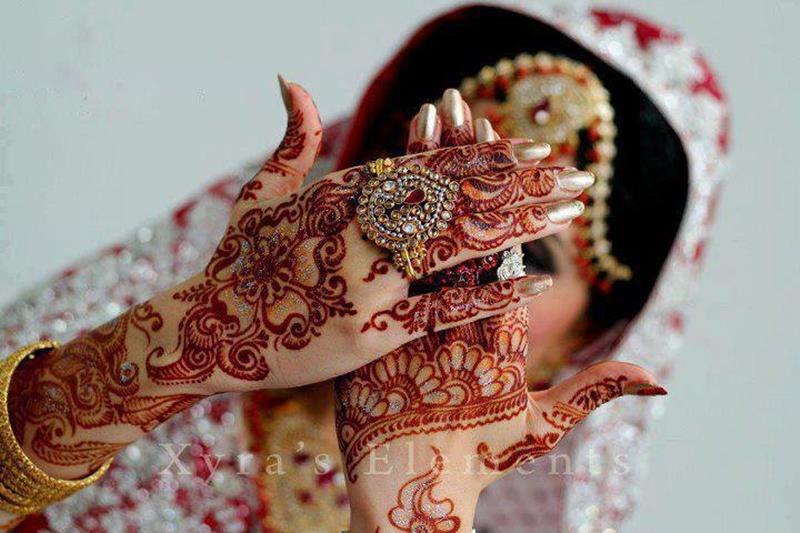 Mehndi Hands With Mobile : Bridal mehndi hand jewelry and bangles xcitefun.net