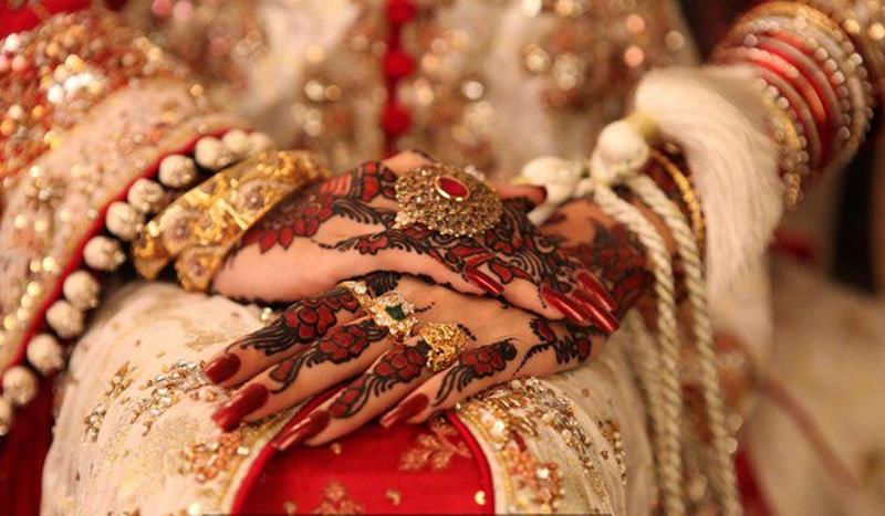 Mehndi Hands Dps : Bridal mehndi hand jewelry and bangles xcitefun