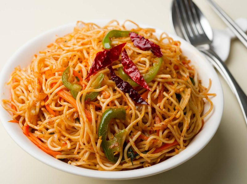 Dry Chicken Chilli Noodles